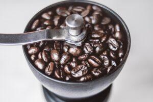 """wyświetlaj po wyszukiwaniu słów: """"młynek do kawy jaki wybrac"""", """"jaki mlynek do kawy"""""""